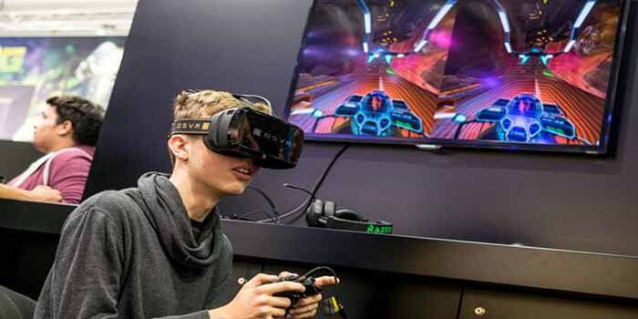 Virtual Reality Is Developing and Increasing Game Developers Experience