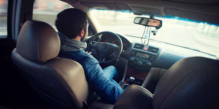The Top 10 Things To Stop Doing While Driving