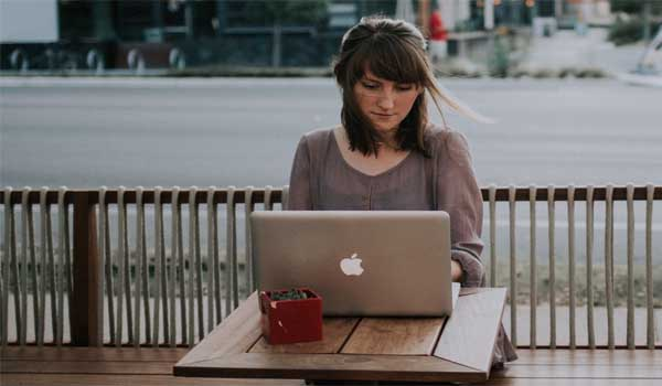 How Evening Routines Affect Morning Productivity