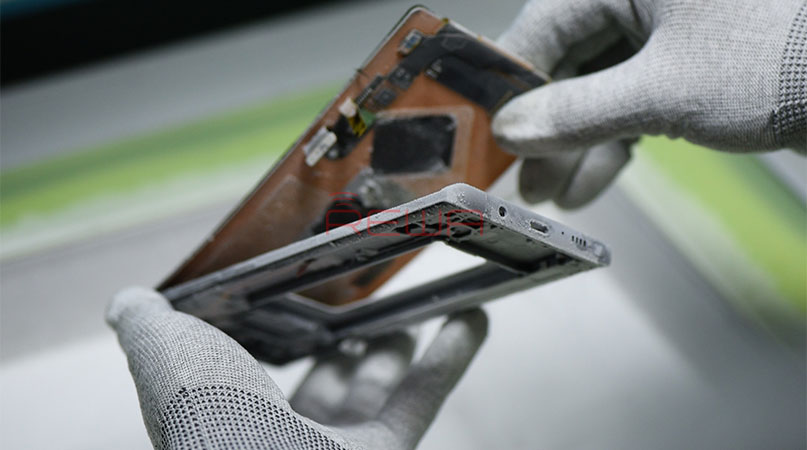 Renovating Solution with Samsung Galaxy Note 8 Broken Screen Glass Repair