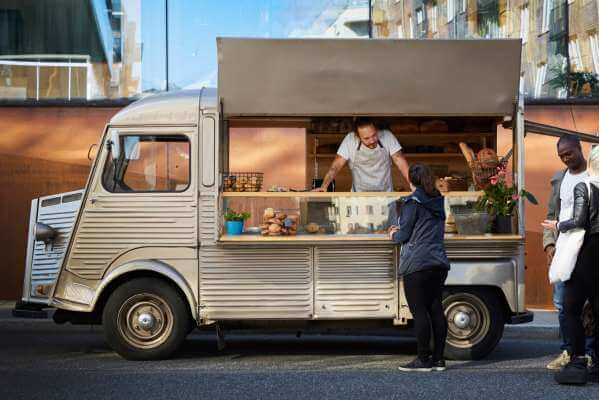 Your Guide To Hiring A Food Rental Truck