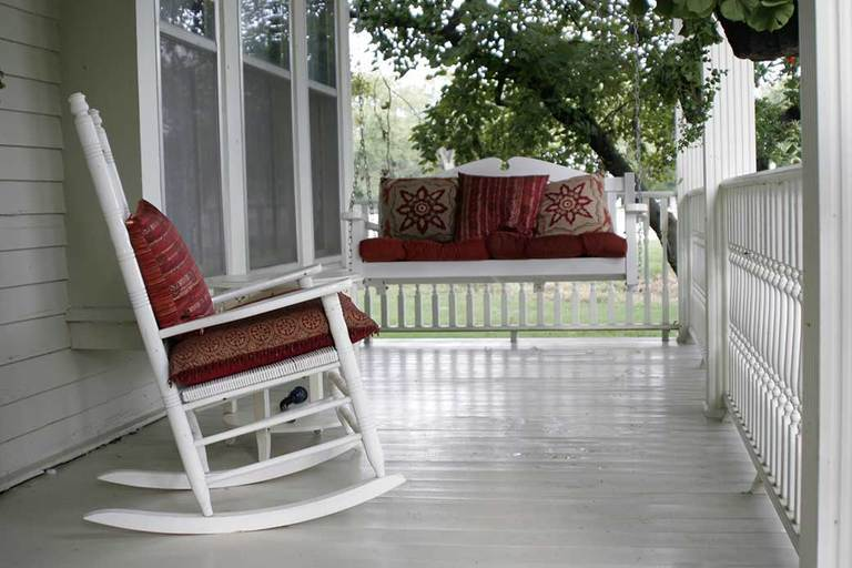 Considerations for Your Porch Swing